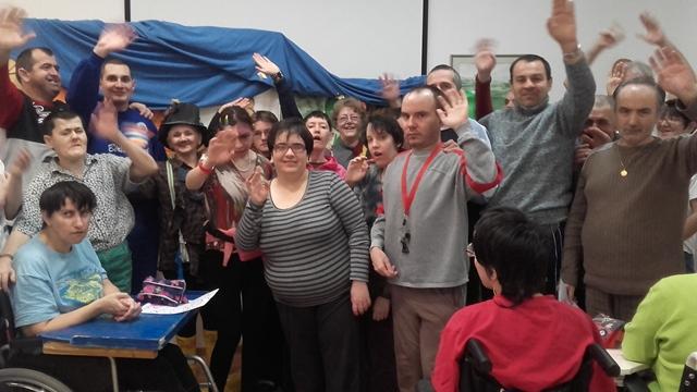 Predstava Čarapojedac gostovala u Rehabilitacijskom centru Komarevo