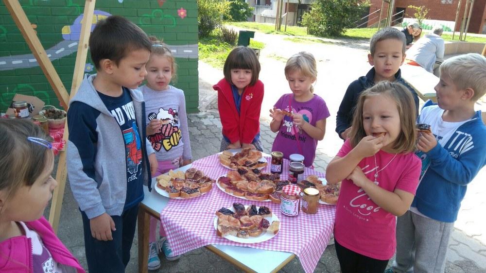 "Vrtić Sunce organizirao ""Pekmezijadu"" za Eko dan i Međunarodni dan kulturne baštine"
