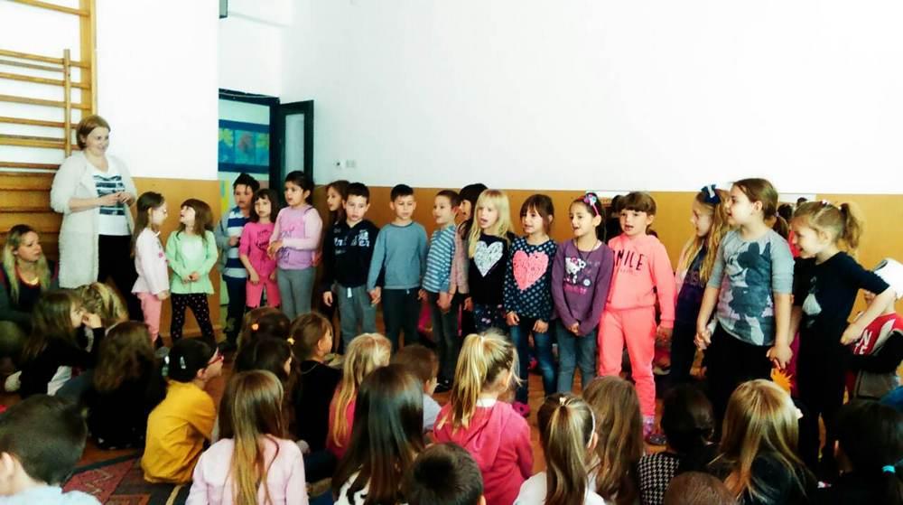 Bipsići i Tintilinići glumili, pjevali i recitirali prijateljima