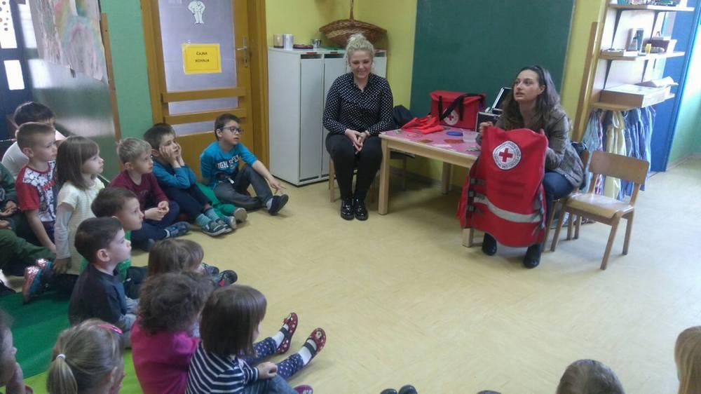 Održane radionice za djecu u suradnji s volonterima Crvenog križa