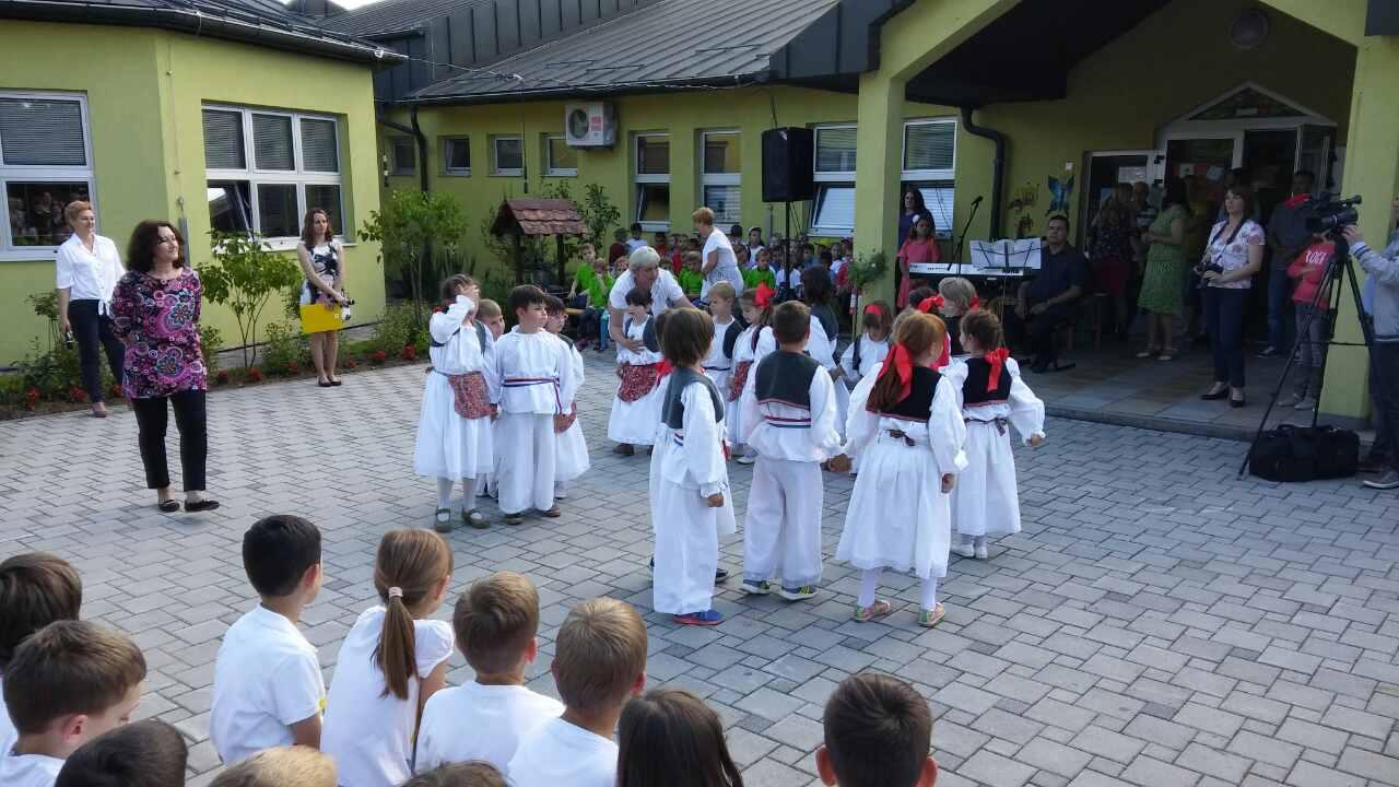 Folkloraši nastupili u Dječjem vrtiću Bubamara
