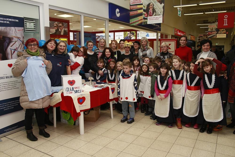 Folkloraši Maslačka i Kosjenke sudjelovali u humanitarnoj akciji Udruge Veliko srce malom srcu