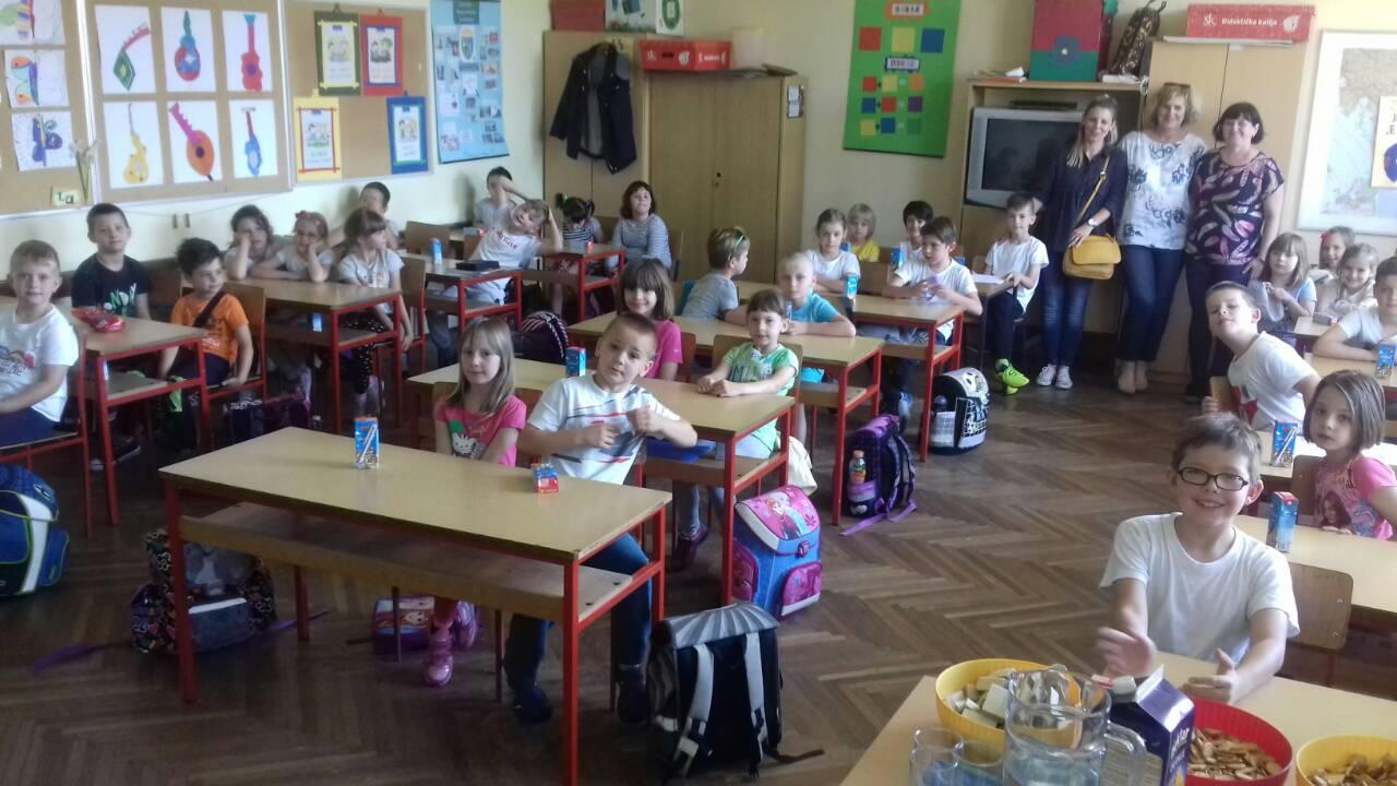 Ježići i Jagodice prvi put u školi