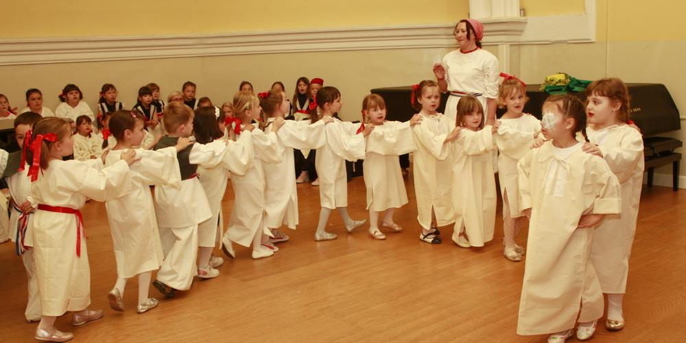 Održana godišnja produkcija folklornih igraonica u Glazbenoj školi