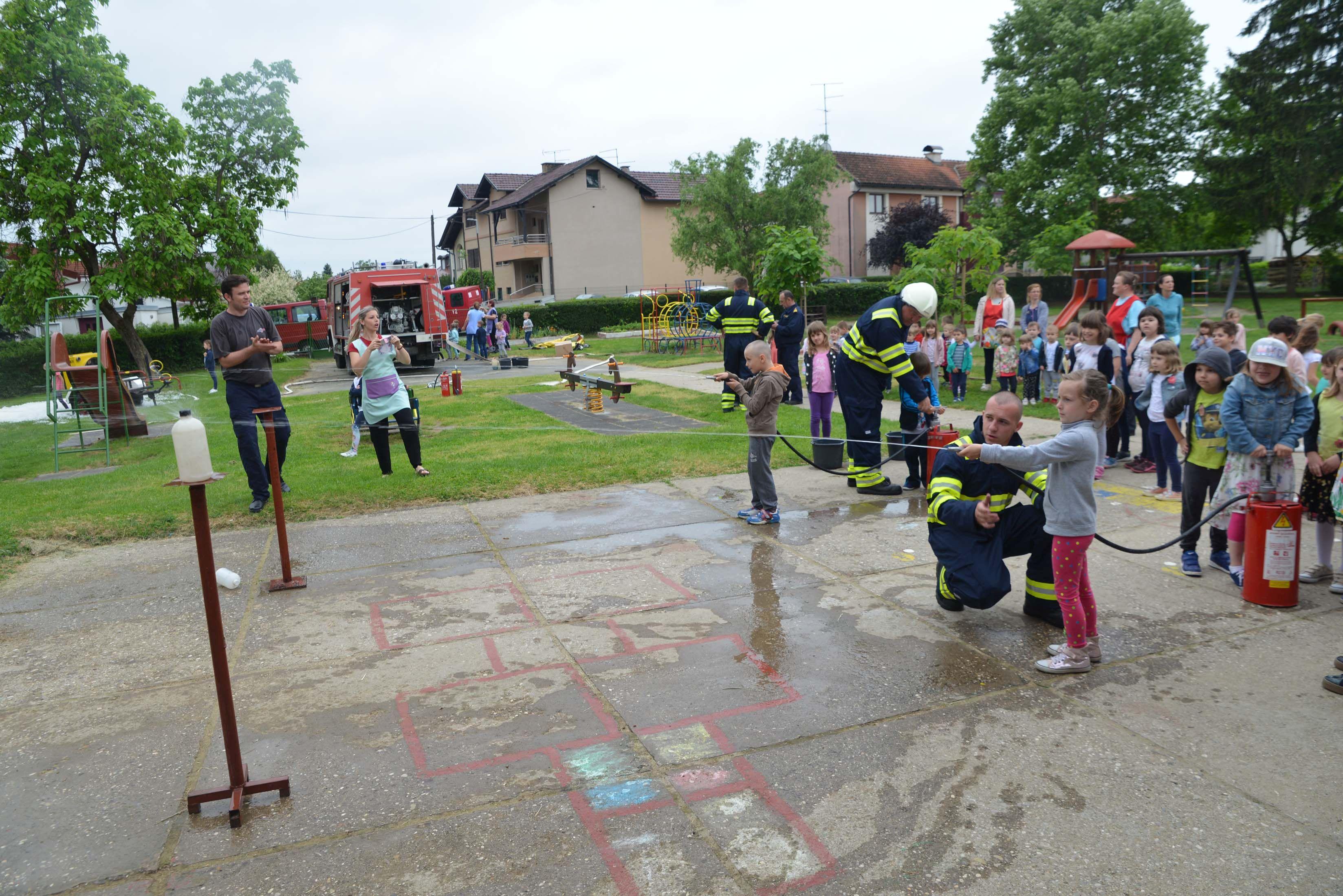 Vatrogasna vježba u Dječjem vrtiću Sisak Novi objekt Tratinčica