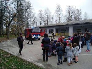 Vatrogasna vježba u Dječjem vrtiću Sisak Novi